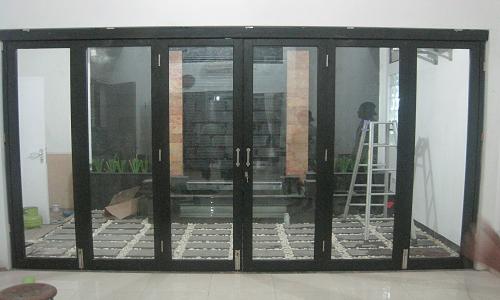 Pintu Penyekat Alumunium